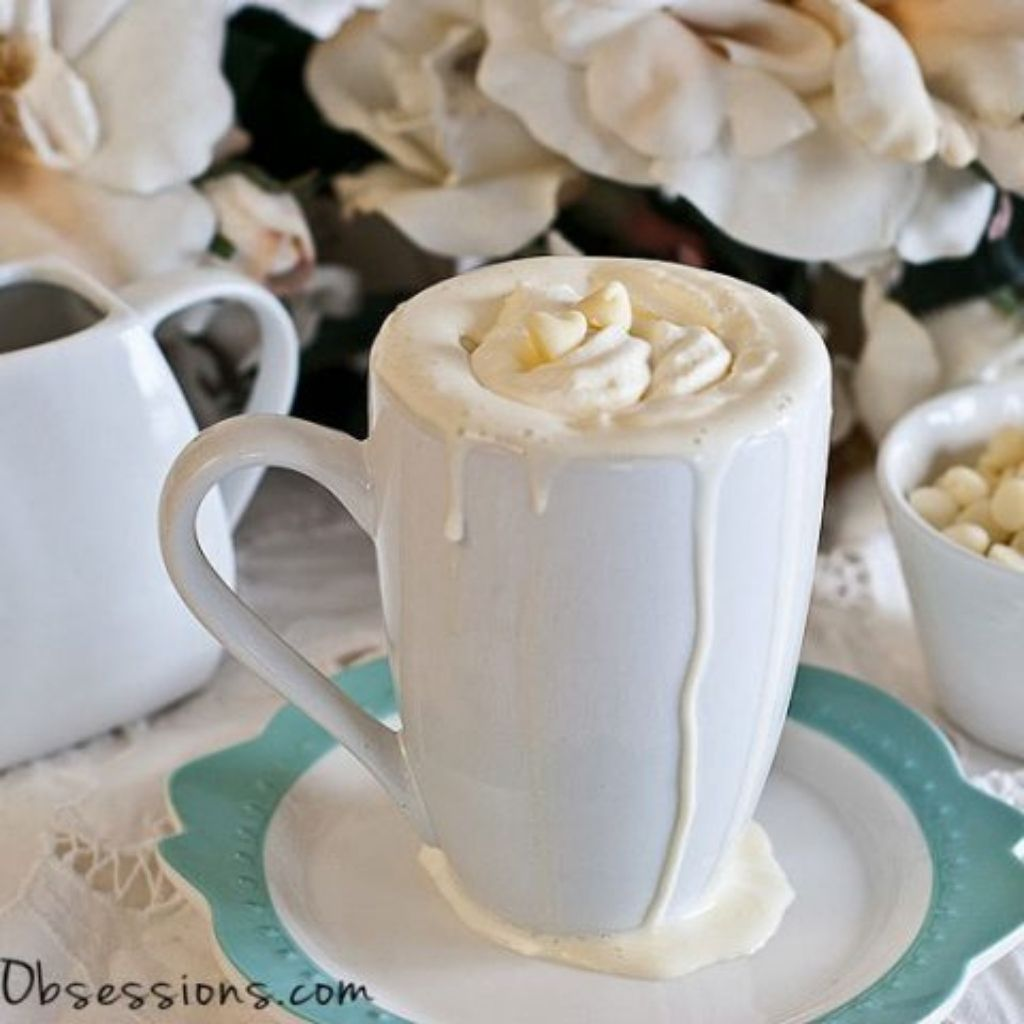 Peppermint White Hot Chocolate Recipe (Dairy Free Option)