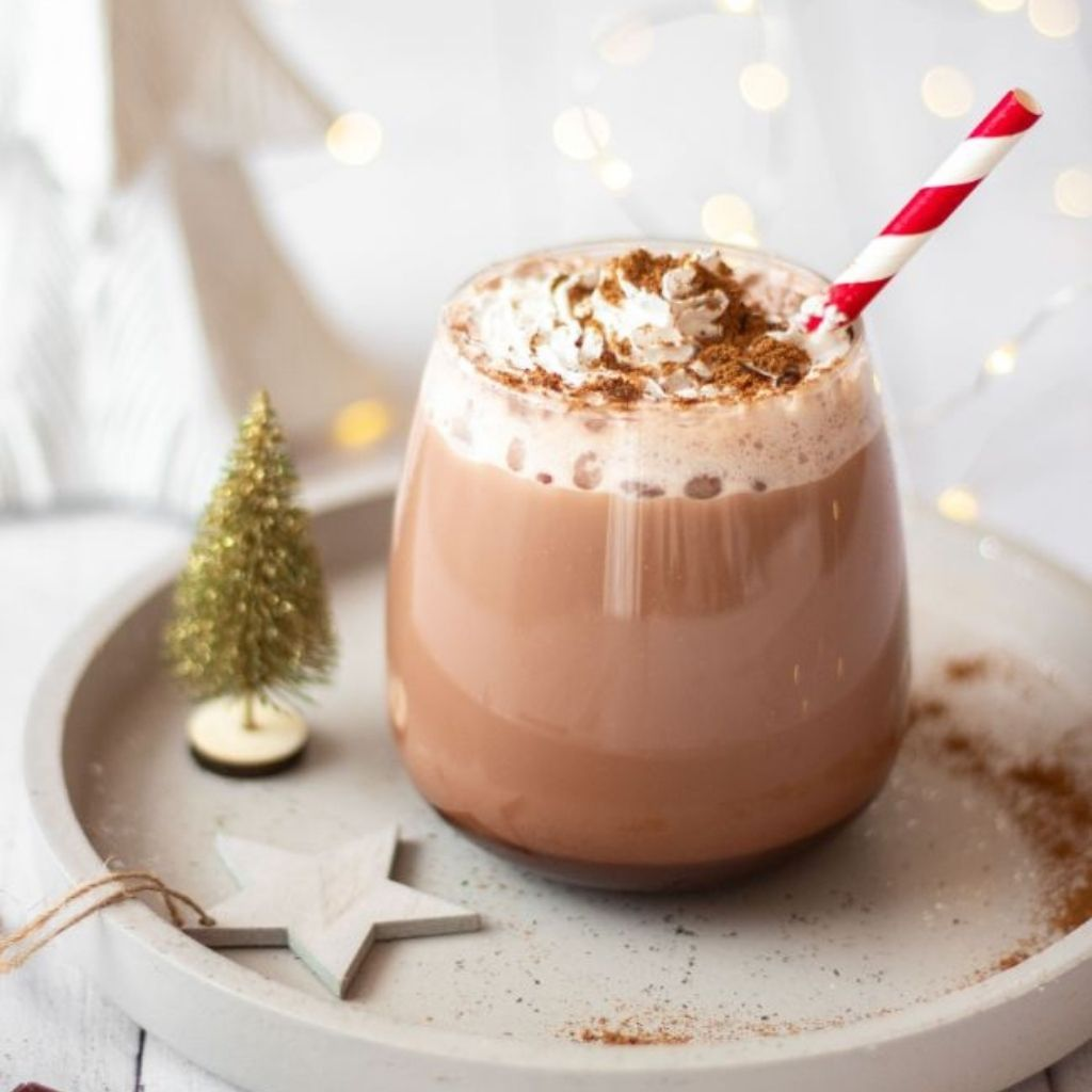 Gingerbread Hot Cocoa (dairy-free, refined sugar-free)